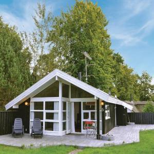 Hotel Pictures: Two-Bedroom Holiday Home in Hornbak, Hornbæk