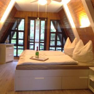 Hotelbilleder: Ostsee Ferienhaus Finnhütte, Pruchten