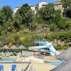 Hotel Pictures: House Salavas - 8 pers, 45 m2, 4/2, Salavas