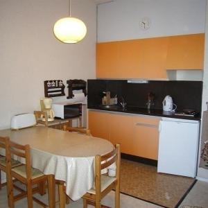 Hotel Pictures: Apartment Studio cabine avec balcon a proximité des pistes, Le Rif