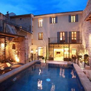 Hotel Pictures: Les Remparts, Beaumes-de-Venise