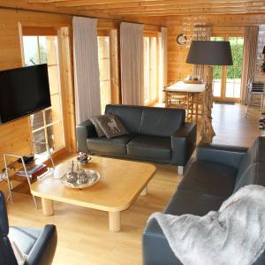 Hotel Pictures: Luxury Chalet in Mollens, close to Crans-Montana, Mollens