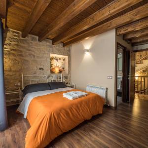 Hotel Pictures: Lo Niu, Caseras