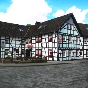 Hotel Pictures: Hotel im Fachwerkhof, Einruhr