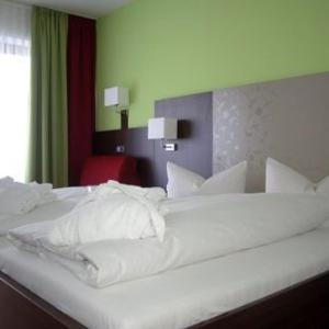 Hotel Pictures: Landhotel Steiner, Großheirath