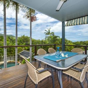 Hotel Pictures: Manyana, 3 Opalia Court, Nelly Bay