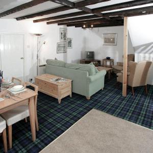 Hotel Pictures: Ash - UK5508, Killin
