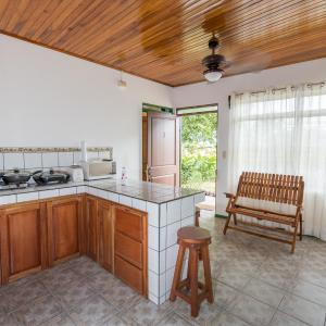 Hotellbilder: Two Bedrooms Apartment - Downtown La Fortuna, Fortuna