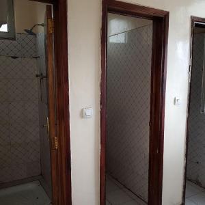 Hotel Pictures: Bati Hotel, Debre Birhan