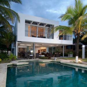 Hotellbilder: Beachfront Modern House, Tivives