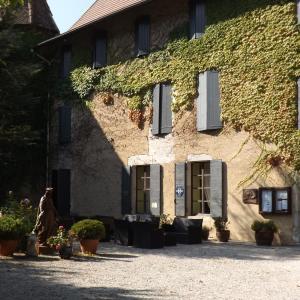 Hotel Pictures: Château de Passières, Chichilianne