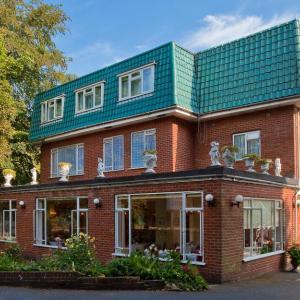 Hotel Pictures: Laguna Hotel, Bournemouth