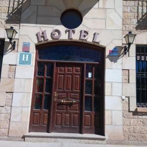 Hotel Pictures: Hotel Villarreal, Palacios de la Sierra