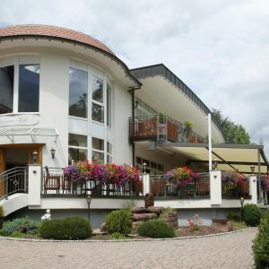 Hotel Pictures: Hotel Ochsen, Höfen an der Enz