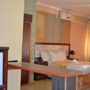 Hotel Pictures: Pacific Conqueror Luxury Apartments, Maun