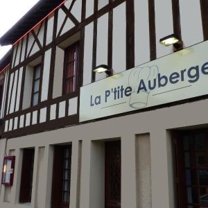 Hotel Pictures: Hôtel-Restaurant La P'tite Auberge, Lillebonne