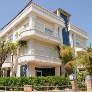 Hotel Pictures: MAREA ApartHotel, Vilanova i la Geltrú