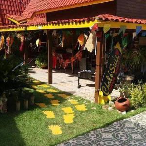 Hotel Pictures: Pousada Romantica Chale Suico, Arembepe