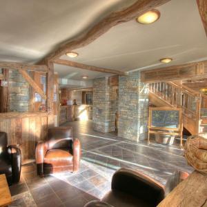 Hotel Pictures: Les Balcons de Val Cenis Village 2, Lanslevillard