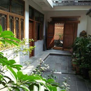 Hotel Pictures: Shi Hua Men Homestay, Tengchong