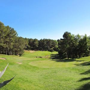 Hotel Pictures: Royal Golf Club Mougins 126S, Mougins