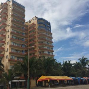 Hotel Pictures: Apartamento en Atacames con vista al mar, Atacames