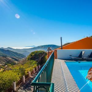 Hotel Pictures: Casa Cueva El Mimo, Artenara