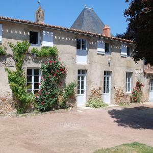 Hotel Pictures: Château de Touvois, Maulévrier