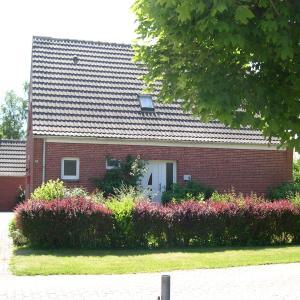 Hotel Pictures: Ferienhaus Klabautermann, Hagermarsch