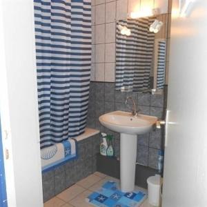 Hotel Pictures: House Proche des plages - maison 5 personnes, Erdeven