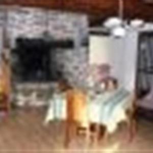 Hotel Pictures: House Dans petit village, belle longere spacieuse de 5 chambres a 5km des plages, Belz
