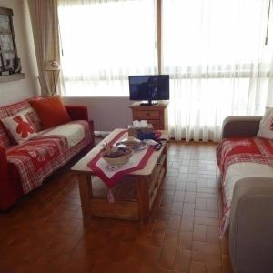 Hotel Pictures: Apartment Le cap 2000 3, Chamrousse
