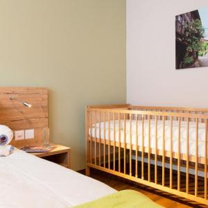 Hotel Pictures: Apartment Wohntel.28, Sevelen