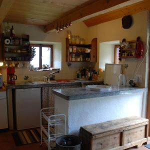 Hotel Pictures: Holiday Home Katono, Acquarossa