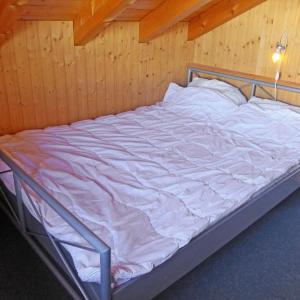 Hotel Pictures: Chalet Niru, Nax