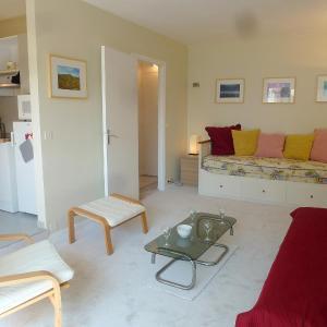Hotel Pictures: Apartment Les Terrasses de Tourgeville.2, Tourgeville