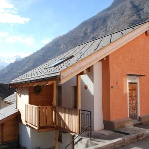 Hotel Pictures: Holiday Home Ca' di Trenti, Olivone
