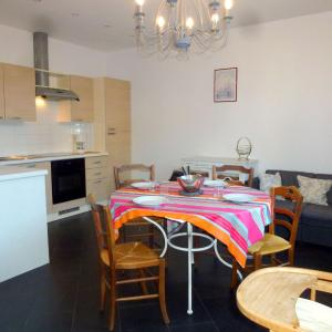Hotel Pictures: Holiday Home Accueil Normand, Trouville-sur-Mer