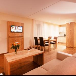 Hotel Pictures: Apartment Wohntel.5, Sevelen