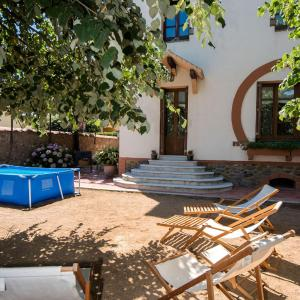 Hotel Pictures: Holiday Home Modernist House, Santa María de Palautordera