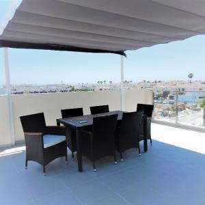 Hotel Pictures: Luxury Bungalow Near Beach Playa Elisa, Campoamor