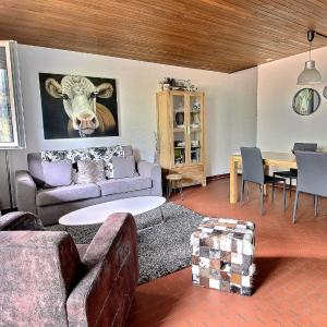 Hotel Pictures: Apartment Ravines 40, Champéry