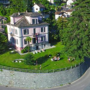 Hotel Pictures: Villa Edera Wild Valley Hostel, Auressio