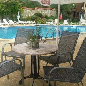 Hotellbilder: Ecostar 13.1 Apartment, Rogachevo