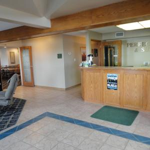 Hotel Pictures: Perfect Inns & Suites, Weyburn