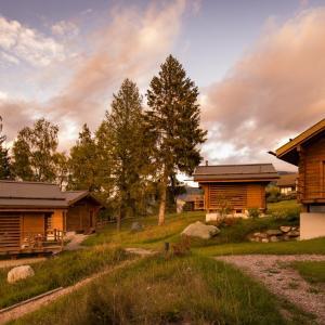 Hotel Pictures: Hotel Marco Polo Lodge & SPA, Vercorin