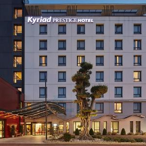 Hotel Pictures: Kyriad Prestige Lyon Est - Saint Priest Eurexpo Hotel and SPA, Saint-Priest