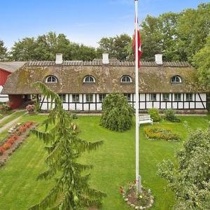 Hotel Pictures: Albertsgaard Bed & Breakfast, Nørre Alslev