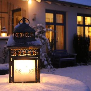Hotel Pictures: Gästehaus No.31 im Rosengarten, Kapellen-Drusweiler