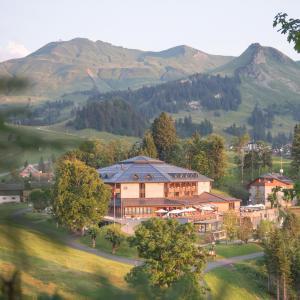 Hotel Pictures: Seminar- und Wellnesshotel Stoos, Stoos